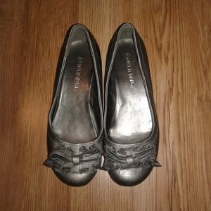 Wild Diva Shoes Size 6 Silver Tone